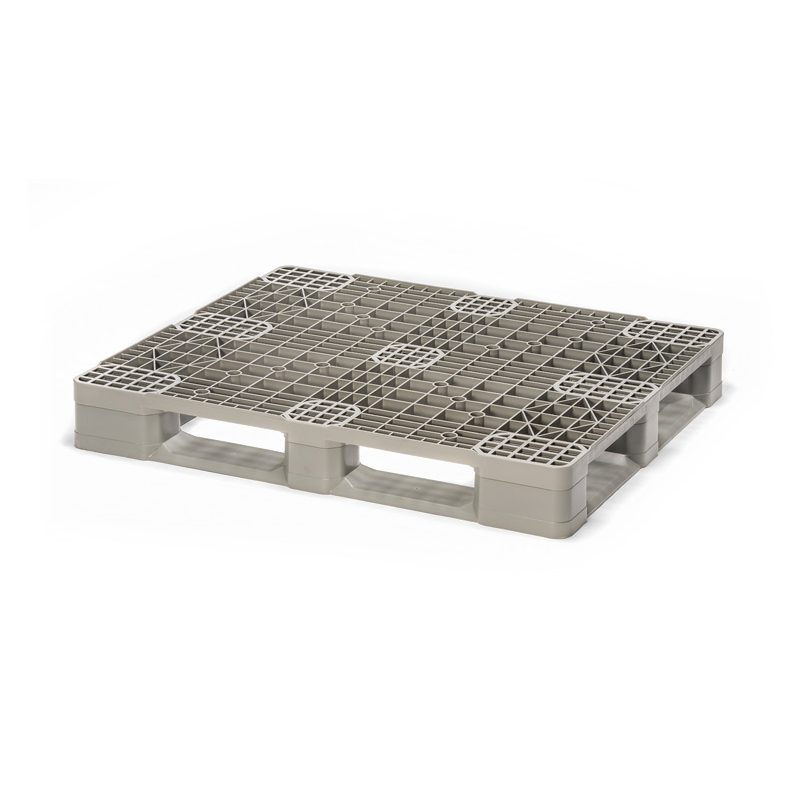 Light weight rackable plastic pallet
